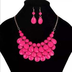Hot pink beaded necklace set